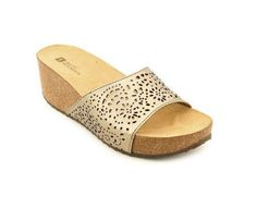 White Mountain Women's Sandal. Regular price: $49.00. Your price: $25.95. Go to http://wholesalebootsnshoes.com/