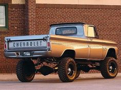 Mid sixties lifted Chevy pick-up. Sweetness.