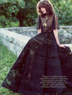 Roma Secreta Valentino HC Speciale: Sofia Fanego by Laura Sciacovelli for Vogue Brasil October 2015 - Valentino Fall 2015 Haute Couture