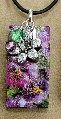 Vintage Domino Ephemera Violets Pendant by TTE Designs on Art Fire $10 Domino Jewelry, Resin Jewelry, Pendant Jewelry, Diy Jewelry, Jewelry Design, Jewellery, Domino Art, Diy Belts, Alcohol Inks