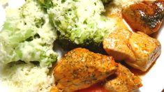 Intr-un vas de sticla termorezistent se pun 50 ml ulei de masline, 900 g broccoli crud proaspat sau congelat. Se adauga zeama de la o lamiie, 3-4 catei de usturoi taiati marunt, sare (Delikat). Vasul se pune in cuptorul incins la 180 grade Celsius si se lasa 20-25 minute. Cind este gata, peste broccoli se presara cascaval ras si se mai lasa 1-2 minute in cuptor. Alaturi, intr-un alt vas se pot fierbe si praji usor citeva bucati de carne de porc in sos tomat cu marar. Tandoori Chicken, Cooking, Ethnic Recipes, Food, Kitchen, Essen, Meals, Yemek, Brewing