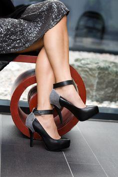 Shanks High Heels & Heel Cap © alexreinprecht.at Leather Cover, Platform Pumps, Shank, Peep Toe, High Heels, Cap, Pairs, Outfits, Fashion