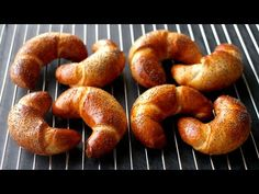 Sladké loupáky – makovky! Poctivý český recept jako z pekárny - YouTube Bagel, Nutella, Breakfast Recipes, Sausage, Yummy Food, Yummy Recipes, Brunch, Bread, Tortillas