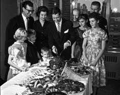 Actor Don Ameche carves up a bird complete with all the Thanksgiving fixings for dinner with family in Vintage Thanksgiving, Vintage Fall, Vintage Halloween, Thanksgiving Celebration, Thanksgiving Feast, Turner Classic Movies, Classic Films, Don Ameche, Life In The 1950s