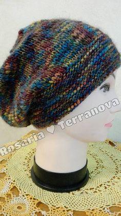 Le passioni di Sara  Tutorial cappello da donna realizzato con i ferri  circolari a3b33fbeaaa9
