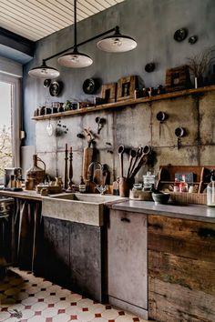 'Wabi-sabi' house: a look inside Living Wabi Sabi, Küchen Design, House Design, Interior Design, Decoration Inspiration, Interior Inspiration, Rustic Kitchen, Kitchen Decor, Barn Kitchen