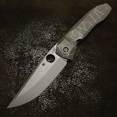 Spyderco Nirvana Spyderco Knives, Tactical Knives, Knives And Tools, Knives And Swords, Cold Steel, Wishing Well, Folding Knives, Nirvana, Blade