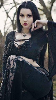 Hot Goth Girls, Hipster Girls, Gothic Girls, Goth Beauty, Dark Beauty, Dark Fashion, Gothic Fashion, Chica Dark, Steampunk