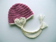 Crochet hearts serve as the earflaps! Crochet Kids Hats, Baby Hats Knitting, Crochet Beanie, Love Crochet, Crochet Gifts, Crochet Yarn, Knitted Hats, Kawaii Crochet, Crochet Photo Props