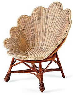 Clam shell wicker chair