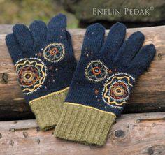 Mulgi Gloves with embroidery, Enelin Pedak, Etsy
