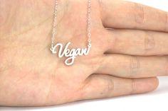 Vegan Activism Ideas jewelry with a message Amoureux des animaux collier, végétalisme, végétalien, fierté de Vegan, cadeau de Noël