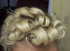 Vintage hairstyle for short hair. The Bobby Pin Blog