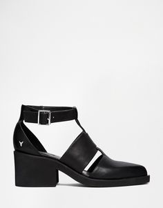 Windsor Smith Wild Leather Cut Out Buckle Shoes
