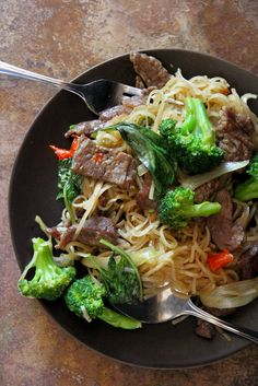 Thai-Style Fried Noodles