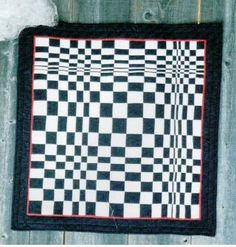 Large Optical Illusion - original quilt by Bev Bryan Optical Illusion Quilts, Art Optical, Optical Illusions, Op Art, Black And White Quilts, 3d Quilts, Contemporary Quilts, Quilt Top, Quilting Designs