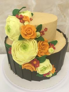 Cake with flowers by SweetART by Eli Gorgeous Cakes, Pretty Cakes, Amazing Cakes, Cupcake Cakes, Cupcakes, Fondant Figures Tutorial, Art Cakes, Sweetarts, Adult Birthday Cakes