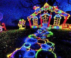Rock City's Enchanted Garden of Lights - Lookout Mountain, GA #Yuggler #KidsActivities #Holiday