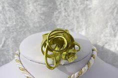 """Hier stelle ich Euch einen extravaganten Ring aus Aluminiumdraht aus meiner """"Wirrwarr-Ring"""" Kollektion vor. In diesem Fall habe ich 5x2 mm starken Aluminiumflachdraht eloxiert mit Struktur (gibt..."""