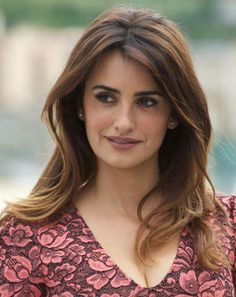 20 Gorgeous Hairstyles for Brunettes: Penelope Cruz