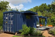 Guest House / Poteet Architects I am in ♥ with shipping container homes & spaces. Gallery of sustainable shipping container housingI am in ♥ with shipping container homes & spaces. Gallery of sustainable shipping container housing Shipping Container Cost, Shipping Container Buildings, Container Homes For Sale, Container Cabin, Cargo Container, Container House Plans, Container House Design, Container Office, Container Gardening