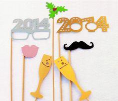 Photocall de disfraces para la fiesta de Navidad - #Fiesta, #Navidad http://lanavidad.es/fiesta-de-navidad-photocall-disfraces/2451