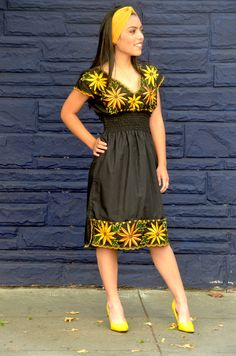 Vibrant Mexican sun Flower Embroidered Dress / Huipil / Tunic from Yucatan, Mexico