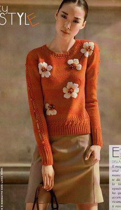 Оранжевая кофточка с цветами