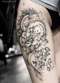 Cute Thigh Tattoos, Flower Thigh Tattoos, Thigh Tattoo Designs, Hip Tattoos Women, Dragon Tattoo Designs, Sleeve Tattoos For Women, Tattoo Designs For Women, Leg Tattoos, Body Art Tattoos