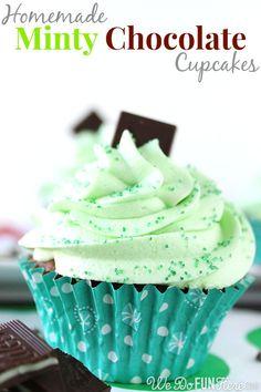 Minty Chocolate Cupcakes   wedofunhere.com