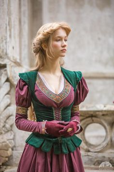 """""""Princess in Exile"""" velvet bodice. Available in: blue natural velvet, bottle green natural velvet, burgundy natural velvet, black natural velvet :: by medieval store ArmStreet Medieval Costume, Medieval Dress, Medieval Clothing, Gypsy Clothing, Cosplay, Fantasy Costumes, Renaissance Fair, Corsage, Costume Design"""