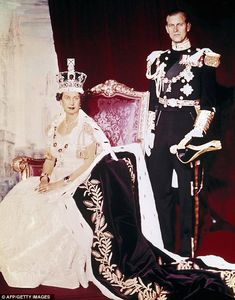 Queen Elizabeth II and Prince Phillip. Love this picture for Queen Elizabeth II. Royal Jewels, Crown Jewels, God Save The Queen, Palais De Buckingham, Queen's Coronation, Prinz Philip, Die Queen, Princesa Real, Royal Queen