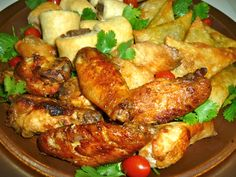 Peri-peri chicken wings - similar to buffalo wings, these tangy chicken wings are easy to make and provide the perfect light meal or snack. South African Dishes, South African Recipes, Ethnic Recipes, Easy Cooking, Cooking Recipes, Crockpot Meat, Peri Peri Chicken, Snack Platter, Chicken Wing Recipes