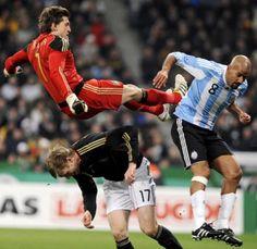 Soccer in a contact sport!!! w/ René Adler, Per Mertesacker and Juan Sebastián Verón