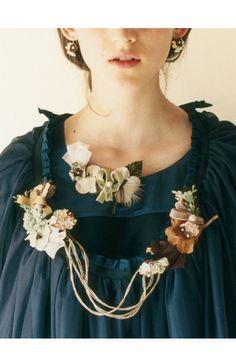 haco. flower accessories レトロフラワーモチーフでつくったピアス