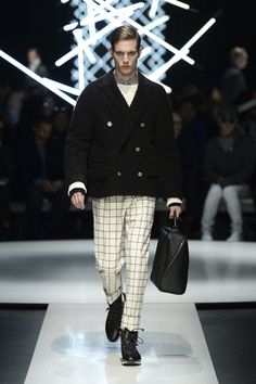 Alpaca pea coat with casentino finish, boatneck sweater, calfskin holdall with asymmetric zip, high-top shoes #CanaliFW15 #mfw #menswear #style #moda #FW15