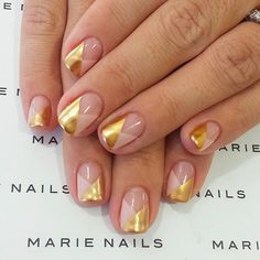 Both long nails and short nails can be fashionable and beautiful by artists. Short coffin nail art designs are something you must choose to try. They are one of the most popular nail art designs. Today, in this article, we have collected 40 stylish Nails Polish, Nude Nails, My Nails, Gold Nails, Acrylic Nails, Beige Nails, Fabulous Nails, Gorgeous Nails, Pretty Nails
