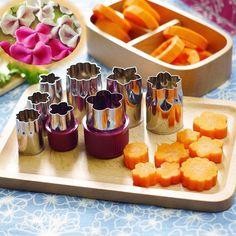 Accesorii pentru bucatarie, set de 8 forme din inox pentru decuparea legumelor si fructelor, potrivite si pentru prajituri