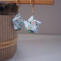 Boucles d'oreille étoile en origami et perle