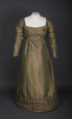 76d5a0fc1 1825 Day dress of green and red shot silk taffeta.