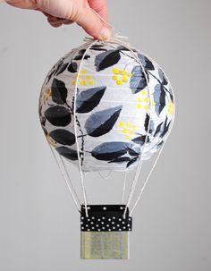 DIY Hot air ballon party decor