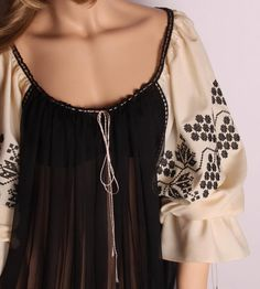 Inspired by the Romanian peasant blouse Ethno Style, Cute Fashion, Womens Fashion, Peasant Blouse, Fashion Details, Beautiful Outfits, Boho Chic, Ready To Wear, Street Style