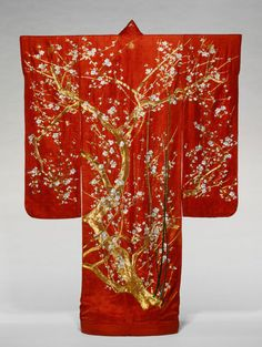 Furisode, Late Edo period (1789–1868), 19th century, Japan Silk, 4:1 satin damask weave (rinzu); embroidered with silk and gold-leaf-over-la...