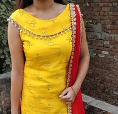 Trendy churidar neck designs to try in 2019 salwar suit neck patterns bling sparkle. Chudidhar Designs, Chudi Neck Designs, Neck Designs For Suits, Sleeves Designs For Dresses, Neckline Designs, Blouse Neck Designs, Salwar Kameez Neck Designs, Kurta Neck Design, Salwar Designs