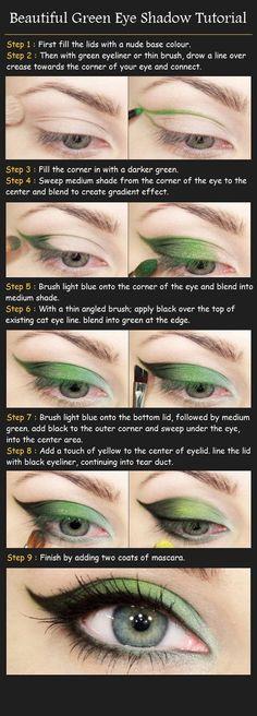 rea un efecto único y llamativo utilizando sombra verde como color principal en tus ojos.