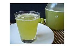 Tudogostoso Receitas - As melhores receitas você só encontra aqui Detox Drinks, Healthy Drinks, Low Carp, Bebidas Detox, Liqueur, Juice Smoothie, Fruit Juice, Summer Drinks, Kombucha