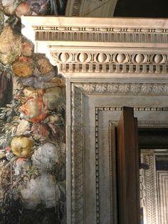 Оригинал взят у marinni в Гротески Palazzo Vecchio . Все фото тут: http://www.flickr.com/photos/art-wo rks/sets/72157638450187685/with/11258047 204/