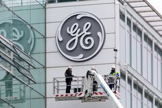 Madoff whistleblower claims General Electric is committing fraud 'bigger than Enron and Worldcom combined' - AOL Finance Private Banking, Annual Review, Electric Company, Traffic Light, General Electric, Stock Market, Entrepreneur, Management, Bring It On