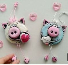Clay Keyring Piggy - step by step Phototutorial - Bildanleitung Pig Crafts, New Year's Crafts, Clay Crafts, Diy And Crafts, Crafts For Kids, Arts And Crafts, Paper Crafts, Felt Christmas Decorations, Christmas Ornaments
