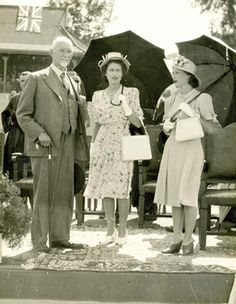Jan Smuts and Princess Elizabeth and Princess Margaret on their visit to South Africa. ANDRIES 2_image_lowres.jpg 300×387 pixels